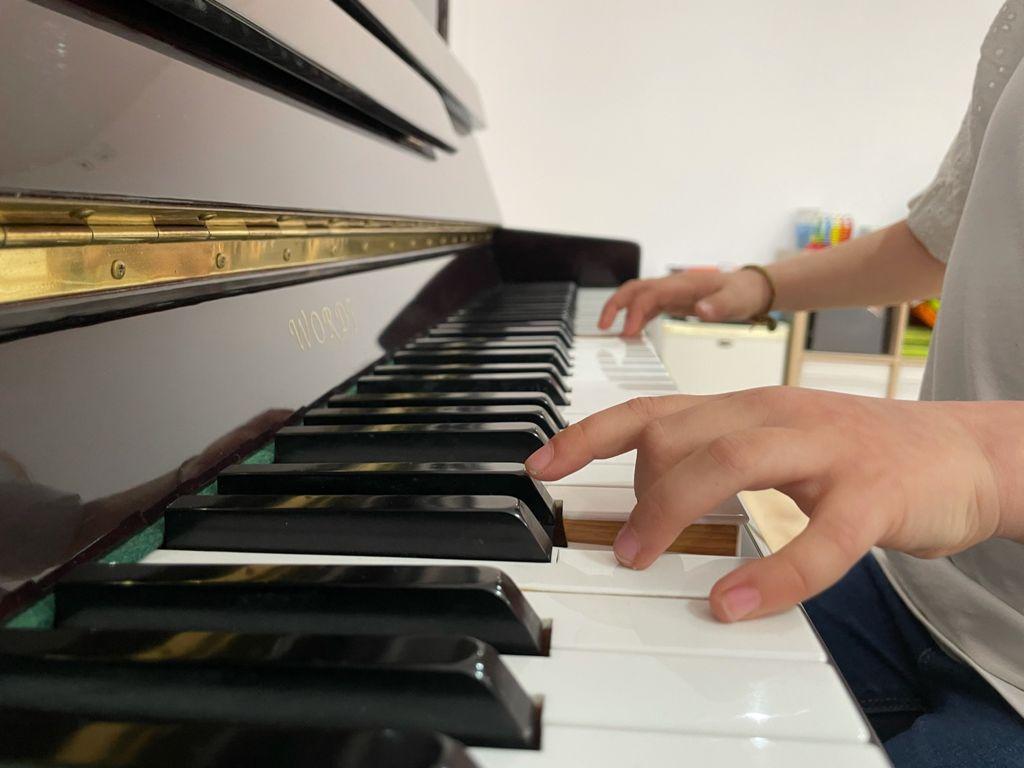 Piano Suzuki escalaLAB